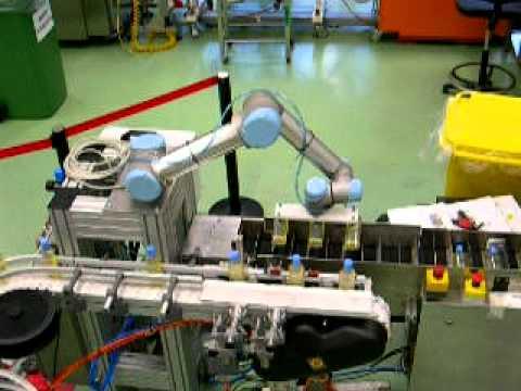 UNIVERSAL ROBOTS Verpacken von Shampooflaschen 1/2