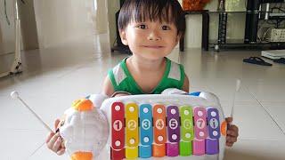 Đồ chơi trẻ em nhạc cụ cho bé, đàn gõ tay của Tin | Kids Toy Media