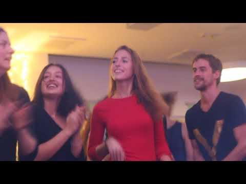 KIRTAN BAND SAT CHIT ANANDA 2017  12  17  FÉNY ünnepe Magnet Ház