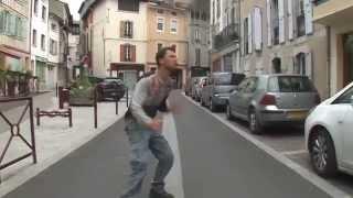 Happy dans les rues de Saint Girons