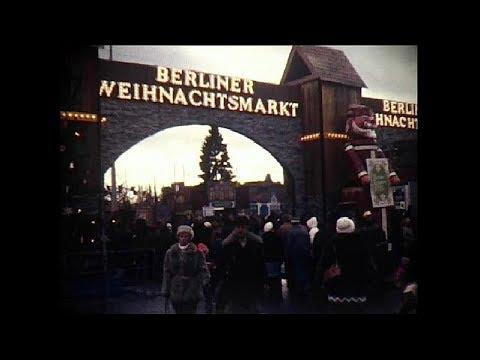 Weihnachtsmarkt am Alexanderplatz in Ost-Berlin 1982