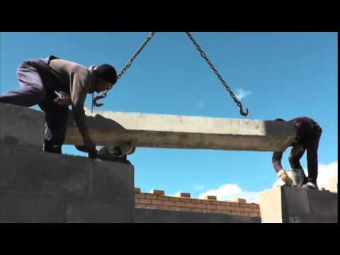 Укладка перемычек и плит перекрытий при строительстве дома
