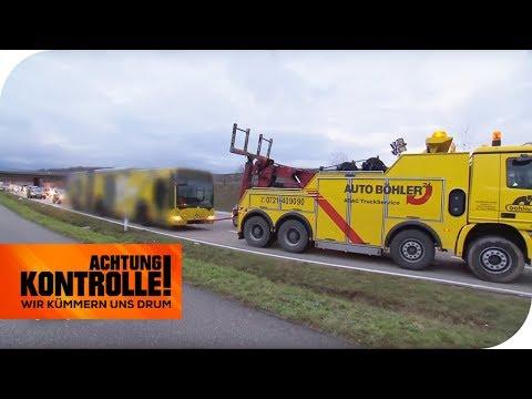 480 PS Schlepper eilt zur Hilfe: Bus springt nicht mehr an! | Achtung Kontrolle | kabel eins