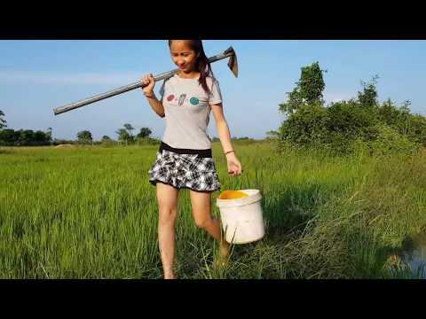 OMG sexy Girl Fishing in CambodiaPart45)