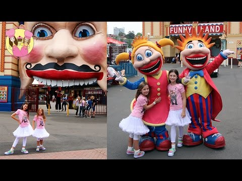 LUNA PARK! Sydney theme park fun - travel vlog with Charli & Ashlee from charliscraftykitchen