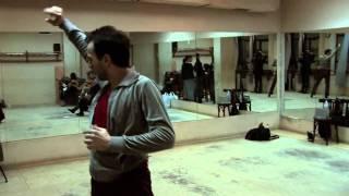 Marco Flores ensayo en Amor de Dios - Flamenco from The Roots Collection