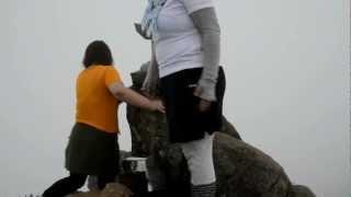 初めての山登りで西日本最高峰、あぶない天狗岳にも来ました! ガスで見...