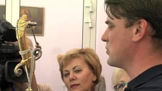 Правящий архиерей стал первым гостем уникальной выставки в областной библиотеке