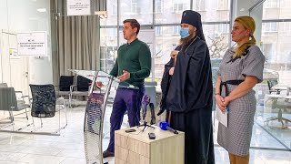 Одесская епархия совместно с Фондом В.Новинского передали 3,5 тысячи тестов на коронавирус