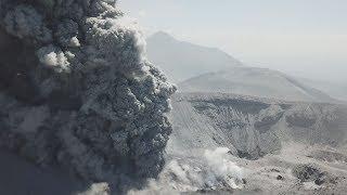ドローン映像:霧島新燃岳噴火 Shinmoedake Eruption Incredible Drone Footage thumbnail