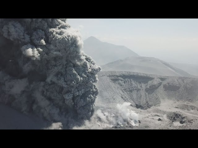 ドローン映像:霧島新燃岳噴火 Shinmoedake Eruption Incredible Drone Footage