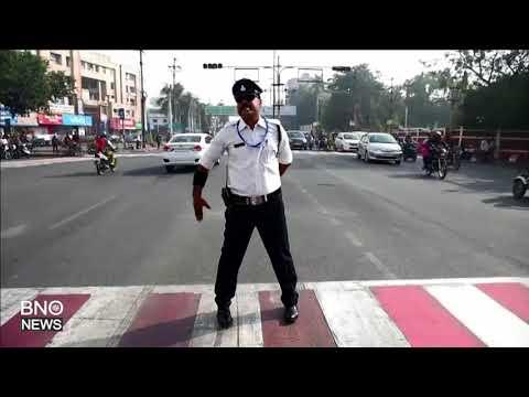India's 'moonwalking' Traffic Cop Turns Heads
