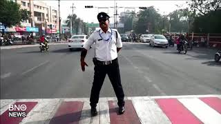 India's 'moonwalking' Traffic Cop Turns Heads