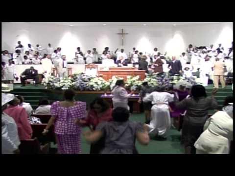 Praise Break Erupts at the Temple