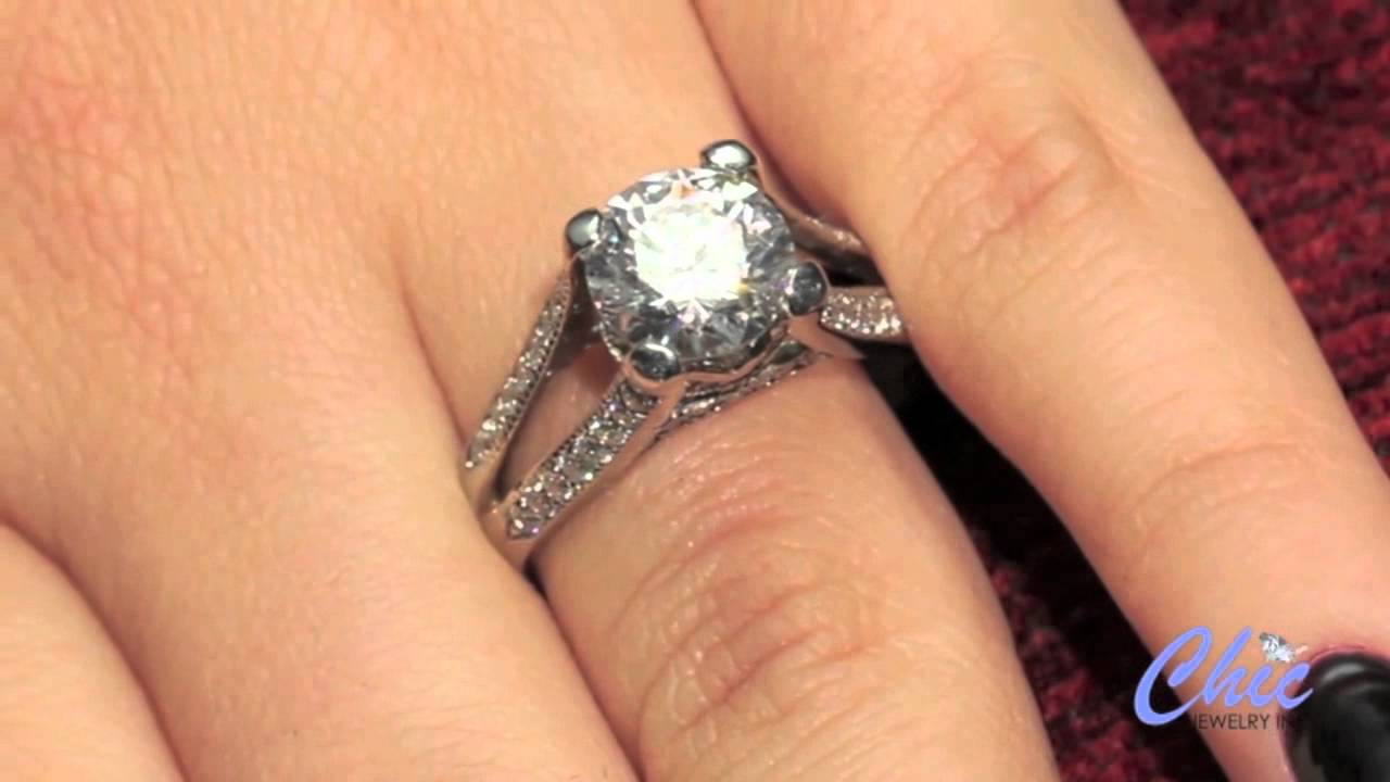 Fabulous Engagement Ring With Top Quality Round Cubic Zirconia In