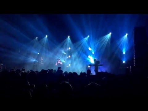 Chvrches - High Enough to Carry You Over (Live Debut)