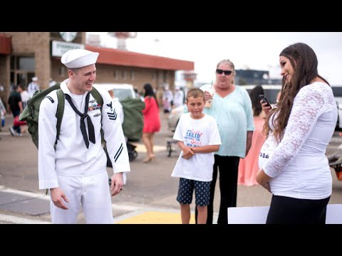 navy-sailor-reacts-to-wife's-pregnancy-surprise