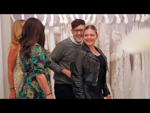 See Elle King Arrive at Kleinfeld for Some Wedding Dress Shopping