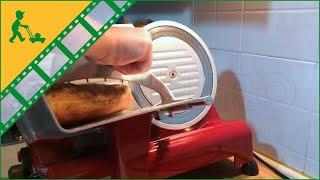Come usare Affettatrice R.G.V LUSSO 195GL RED lama 195 mm. Affilatoio compreso - motore 110W