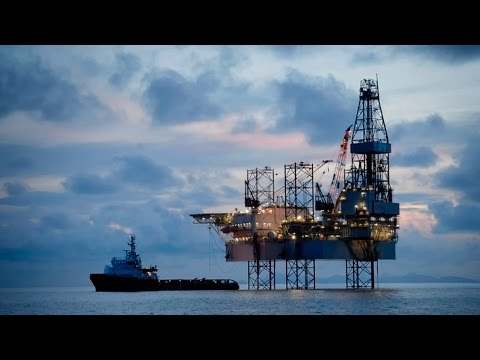 'Disruptive oil and electricity futures' with Amory Lovins