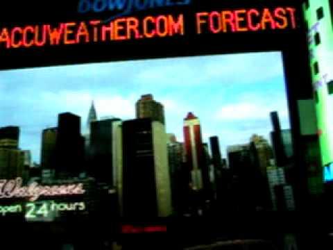 102  New York City's Times Square.AVI