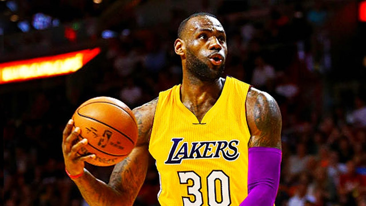 LEBRON JAMES SIGNING WITH LAKERS IN
