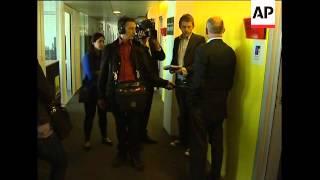 Paris official on broken museum alarm, heightened security