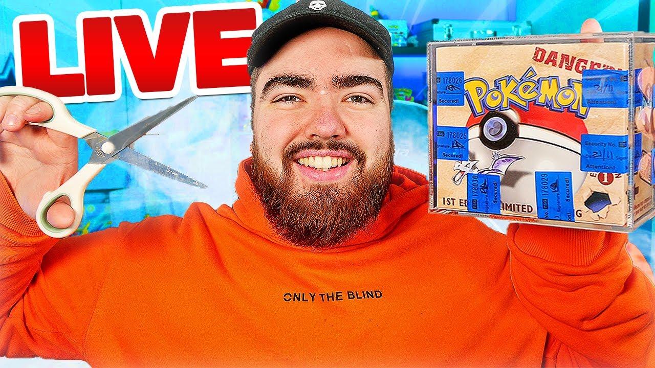 Opening a VINTAGE FOSSIL 1st Edition Pokémon Box LIVE