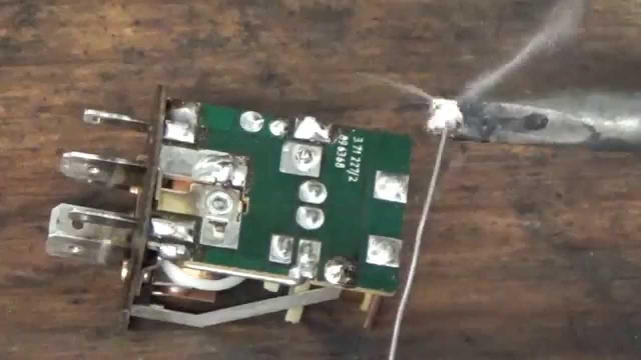 repair a porsche dme relay [ 1280 x 720 Pixel ]