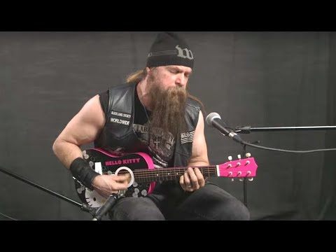 Rafferty - Zakk Wylde does Sabbath on a Hello Kitty Guitar