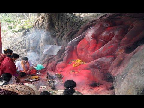 Kamakhya Temple | कामाख्या मंदिर: देवी के मासिक धर्म के रक्त से यहां लाल हो जाती है ब्रह्मपुत्र नदी