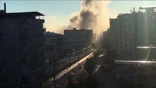 شاهد.. آثار انفجار سيارة مفخخة في تركيا