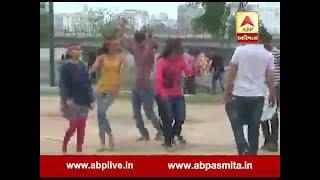 People of Ahmedabad dance of Ganesh Visarjan
