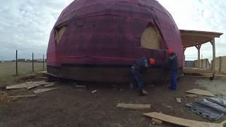 Начинаем монтаж битумной черепицы. Купольный дом в Евпатории.