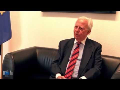 """Jacques Santer : """"La Commission européenne ne doit pas être le secrétariat du Conseil!"""""""