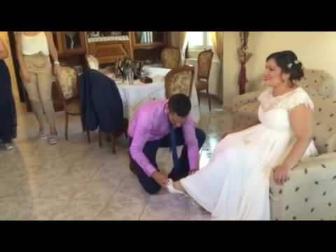 dd972f6acc70 Ντύσιμο της νύφης στο Μεσοχωριό Ηρακλειου Κρήτης - YouTube