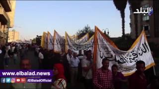 الطرق الصوفية تنظم حضرة أمام مسجد الحسين.. فيديو وصور