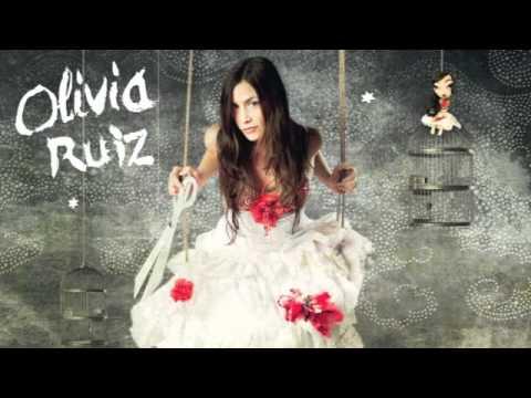 Elle Panique English Translation - Olivia Ruiz