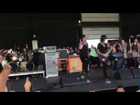 One For The Money- Escape The Fate Warped Tour 2015 Chicago