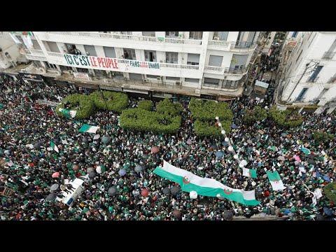 Um mês de protestos contra Abdelaziz Buteflika