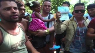 Alvaro Torres manda un saludo de soliradidad a los Cubanos en frontera Nicaragua-Costa Rica