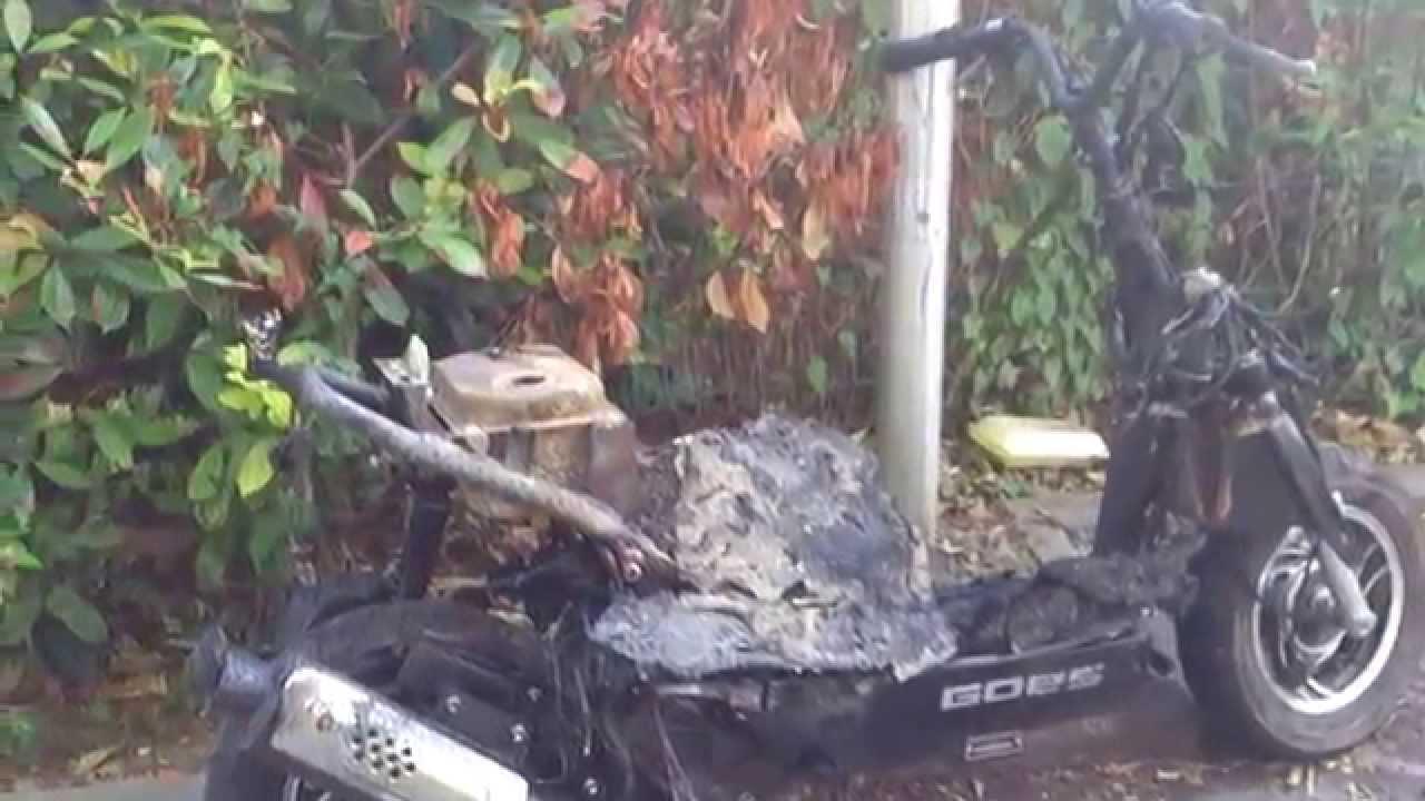 Une moto incendi e quartier mitry aulnay sous bois youtube - Garage moto aulnay sous bois ...