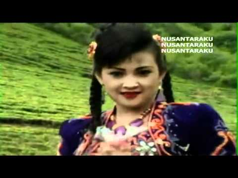 Itje Trisnawati   Bunga Dan Kumbang MTV Karaoke   YouTube