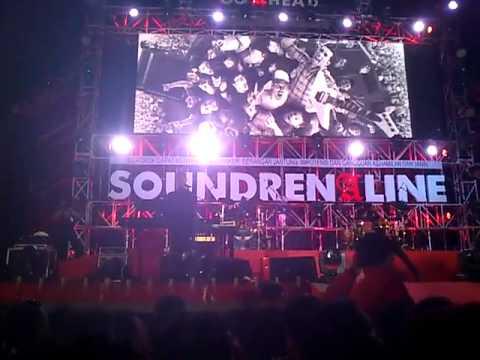 DEWA19 ARI LASSO TYO NUGROS LIVE PEFORM at SOUNDRENALINE 2013 YOGYAKARTA