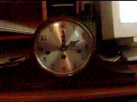 Vintage elgin mantel clock