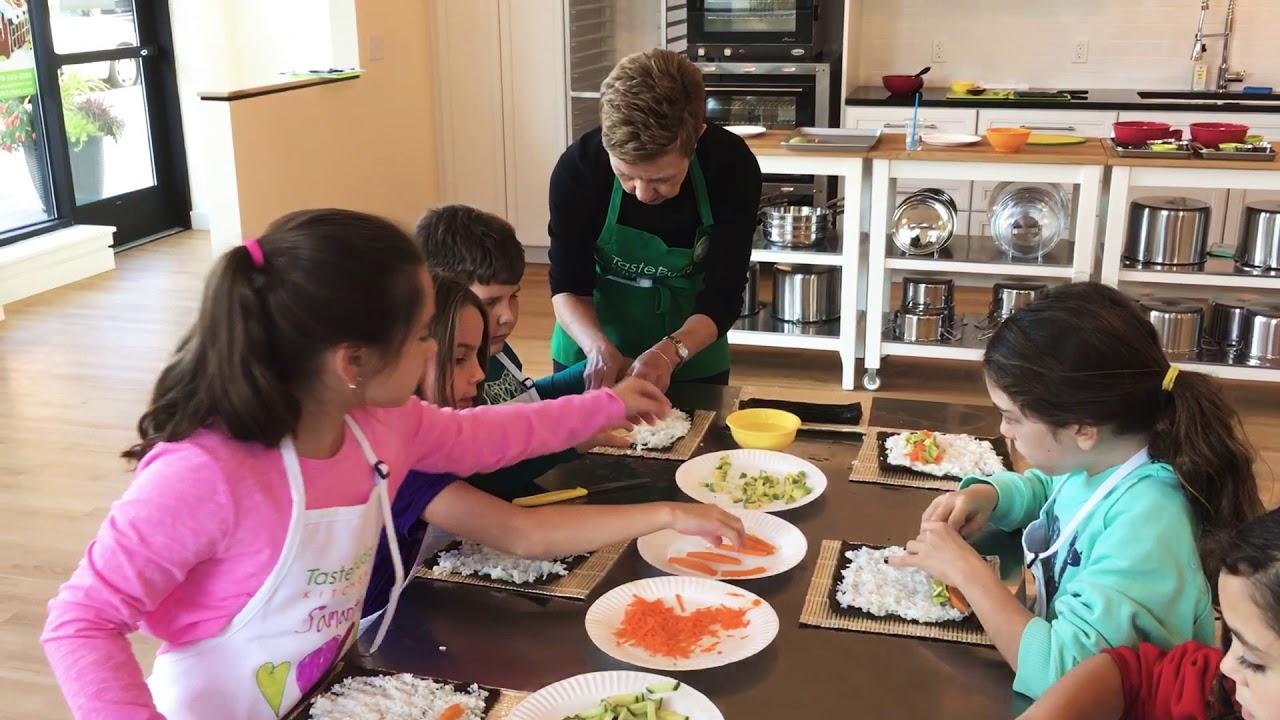 Kids Learn To Make Veggie Sushi At Taste Buds Kitchen In Beverly