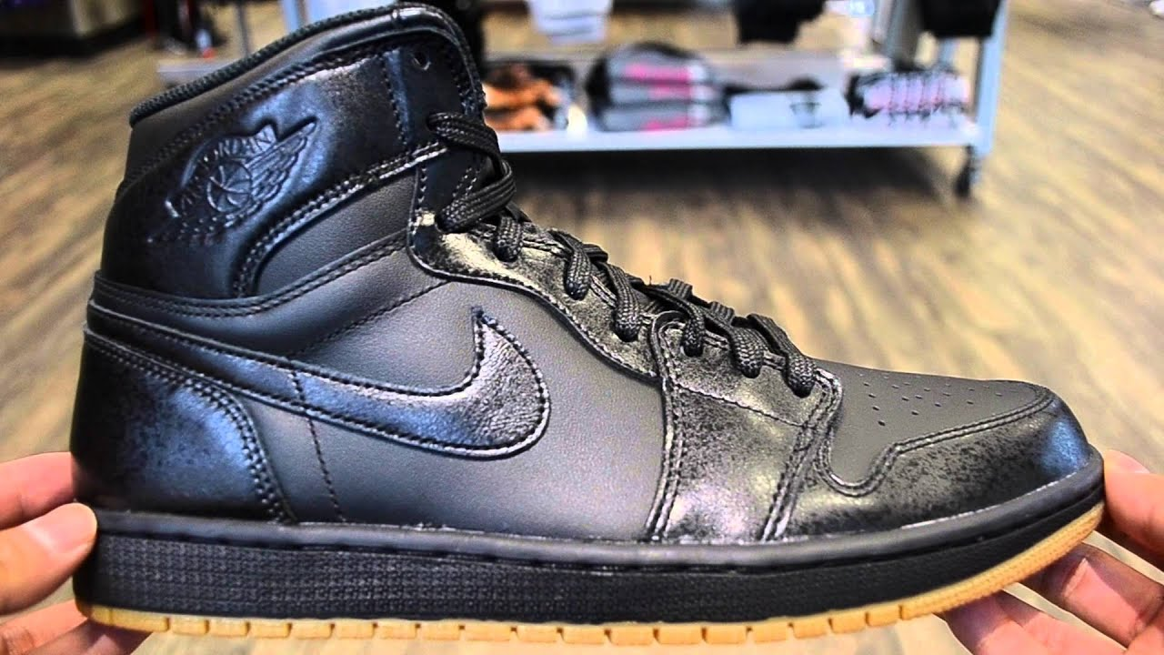 e820befc8573ef Air Jordan 1 Black   Gum Review - YouTube