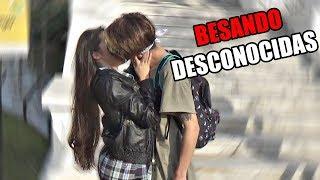 BESO O DEPILADA | BESANDO DESCONOCIDAS | AlexanderWTF