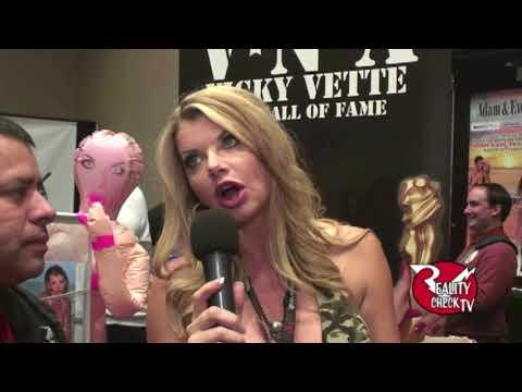 Vicky Vette at AVN 1/20/17