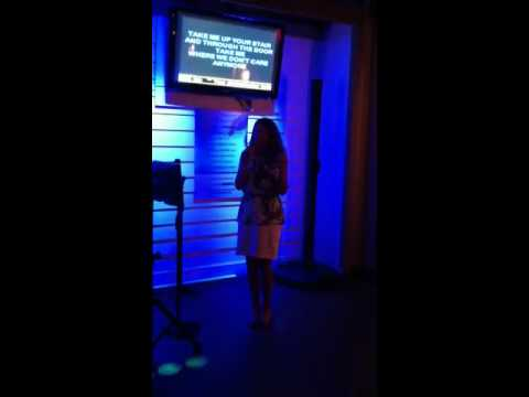 Karaoke @ Cheeseburger in Paradise